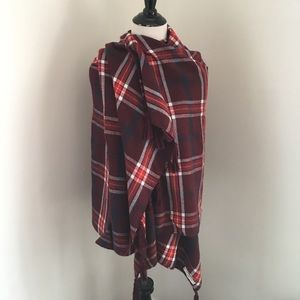 Abercrombie & Fitch Accessories - Abercrombie & Fitch • Plaid Tassel Blanket Scarf